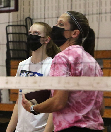 Volleyball mother & daughter