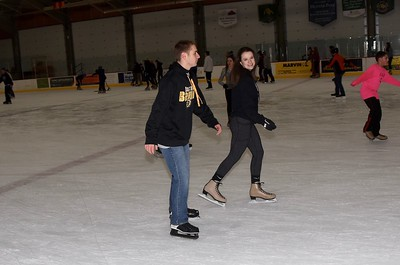 AMHS Winter Carnival ... Eagle Ice Capades I photos by Gary Baker
