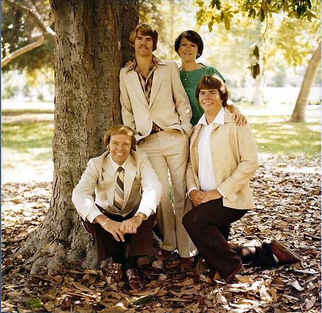 1979/04 - Family Photo Shoot