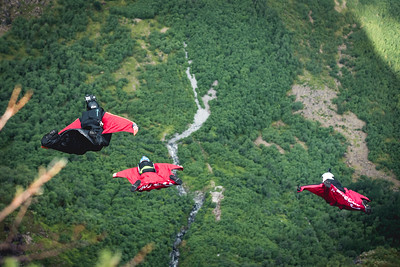 3 2 1 Wing it - Base Jumping