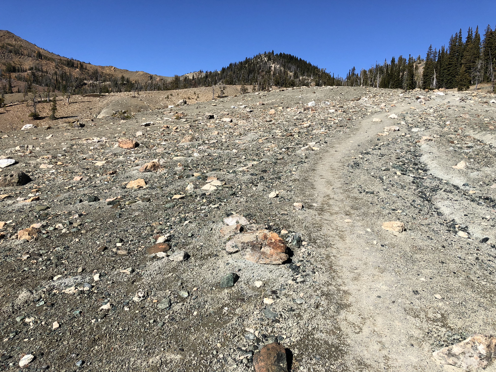 Gravel trail near the Pass