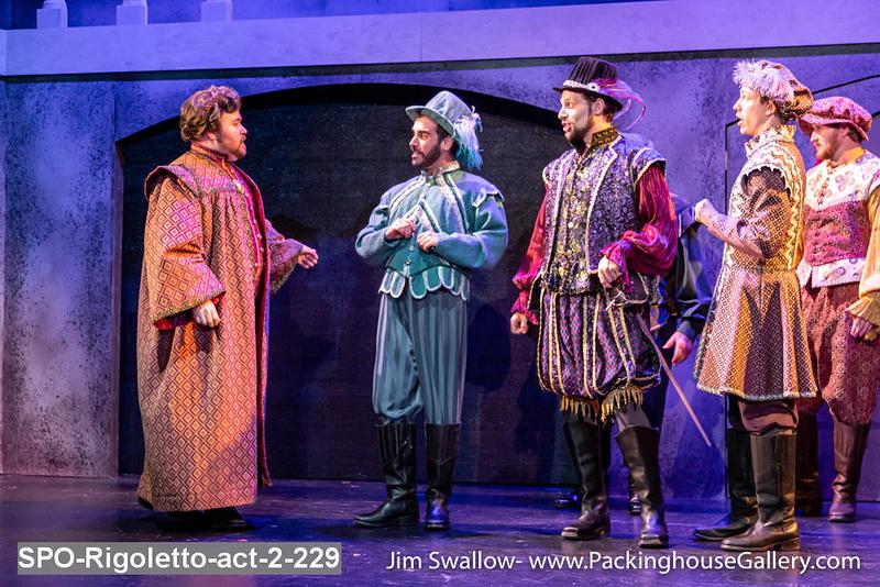 SPO-Rigoletto-act-2-229.jpg