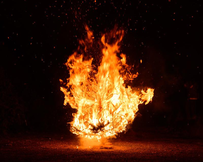 1.6.17 Solvang Julefest Bonfire