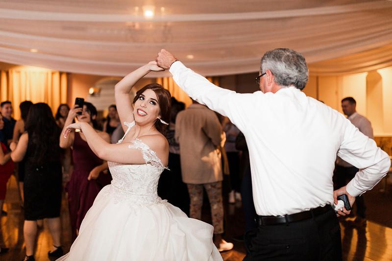 Alexandria Vail Photography Wedgewood Fresno Wedding Alexis   Dezmen843.jpg