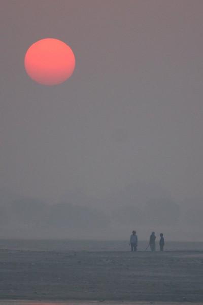 Early risers, Varanasi