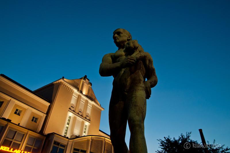 Riverside_statue_tampere_finland-0173.jpg