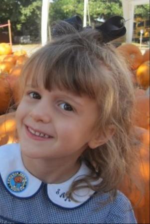 2010-10-21 K with 7th Gr Buddies Pumpkin Patch-2