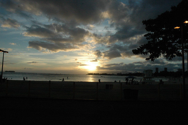 Hawaii - Ala Moana Beach Sunset-6.JPG