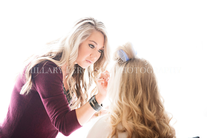 Hillary_Ferguson_Photography_Melinda+Derek_Getting_Ready099.jpg
