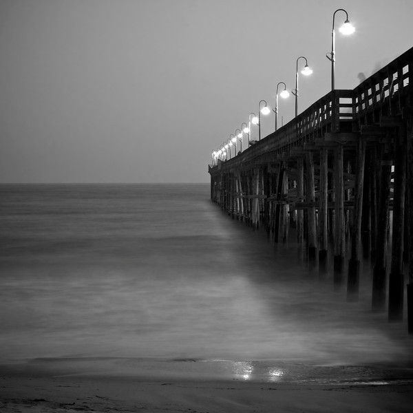 Ghost among the Pier ref: 09f40b1f-df82-45a9-a293-4ae4a10101b2