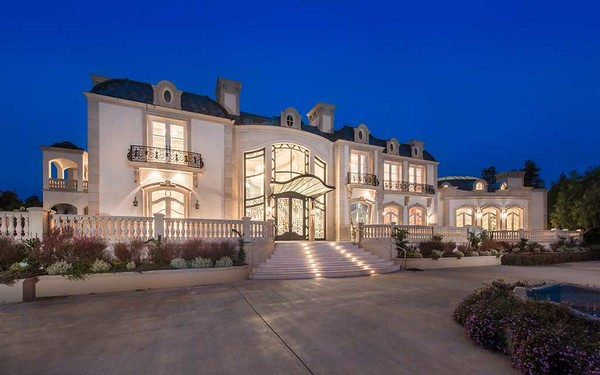 Titanic Estate