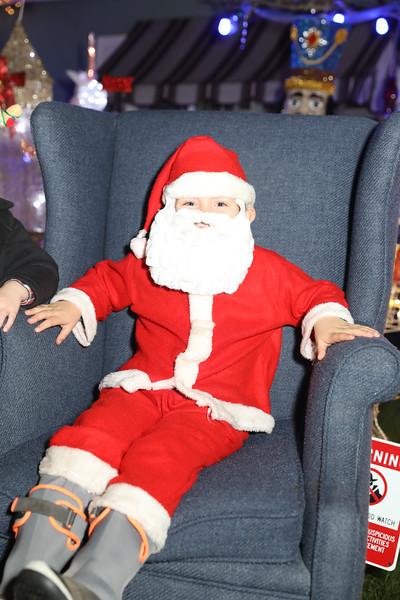12-08-19-Christmas With Chris & Family-89.jpg