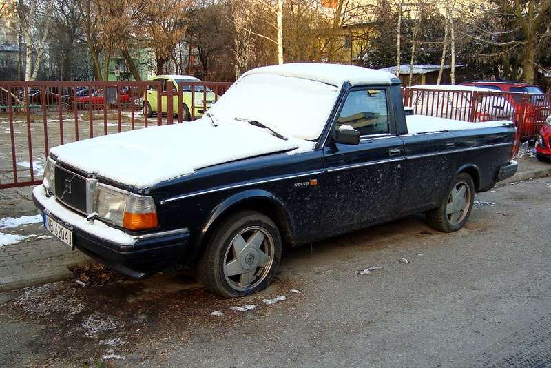 Volvo Pick-Up.JPG