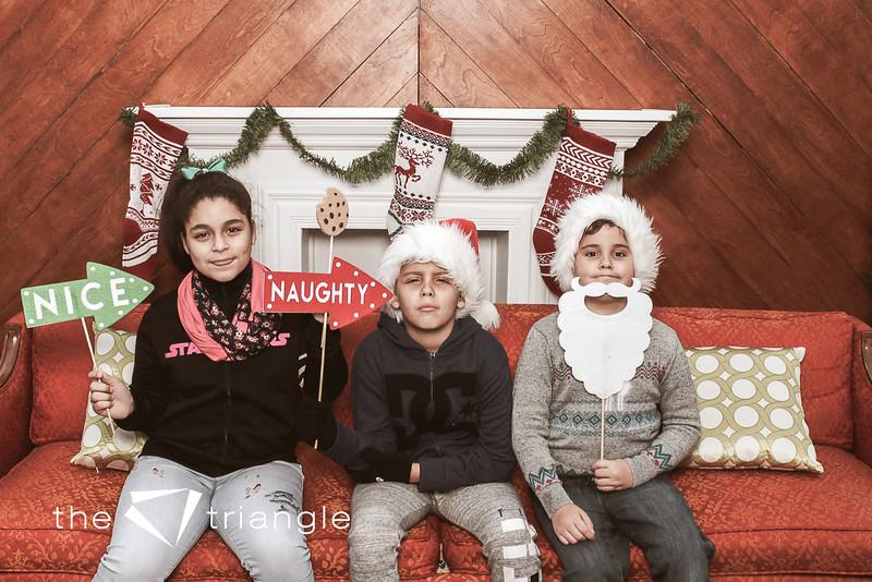 awkward-family-photo-booth-014.jpg