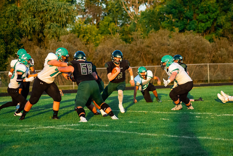 CNP_FOOTBALL_VS_LITCHFIELD-42.JPG