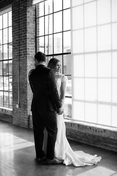 Kate&Josh_B&W_ZACH.WATHEN.PHOTOGRAPHER-313.jpg