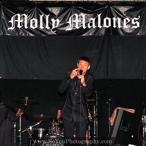 2009-11-28, Molly Malones, 2 bands