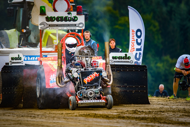 Tractor Pulling 2015-02264.jpg