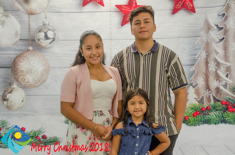 Christmas Photobooth 2018 Sunday-154.jpg