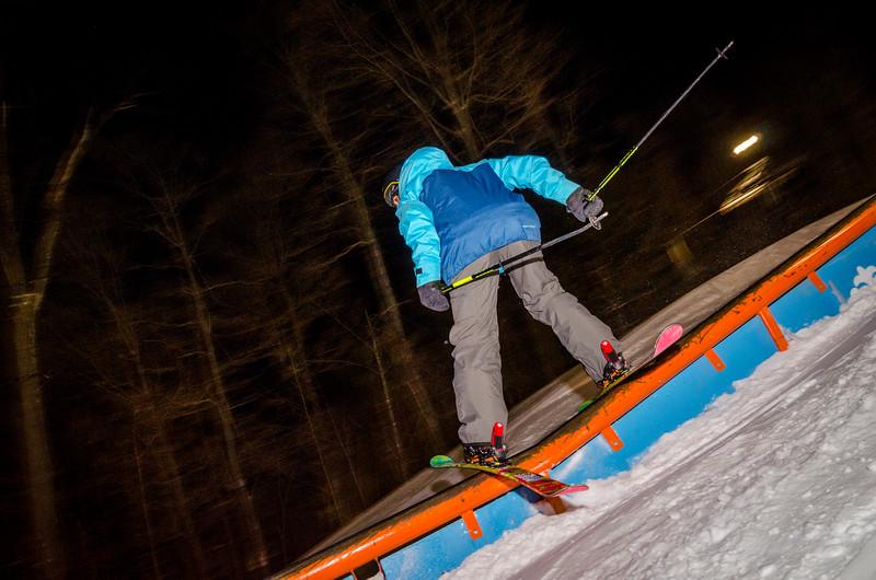 Nighttime-Rail-Jam_Snow-Trails-193.jpg