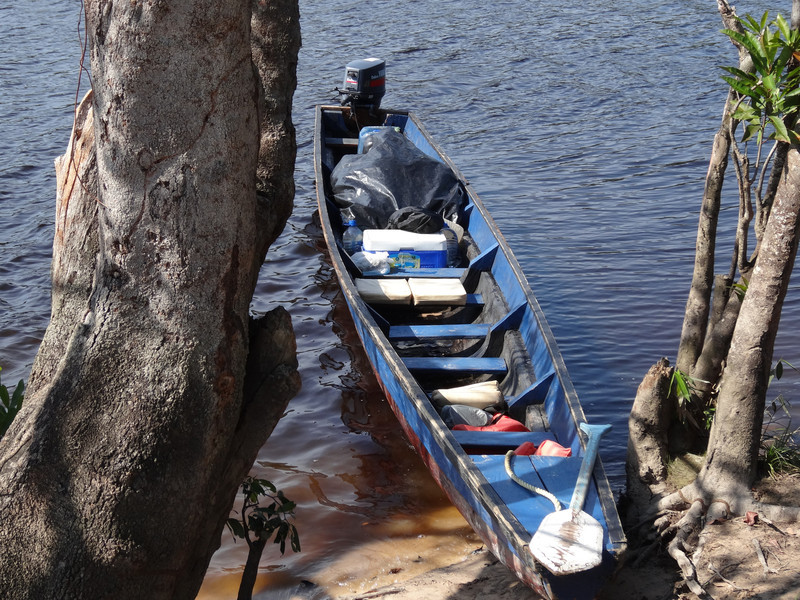 This is our canoe.  We went 6 hours upstream and 4 hours downstream in this little boat.