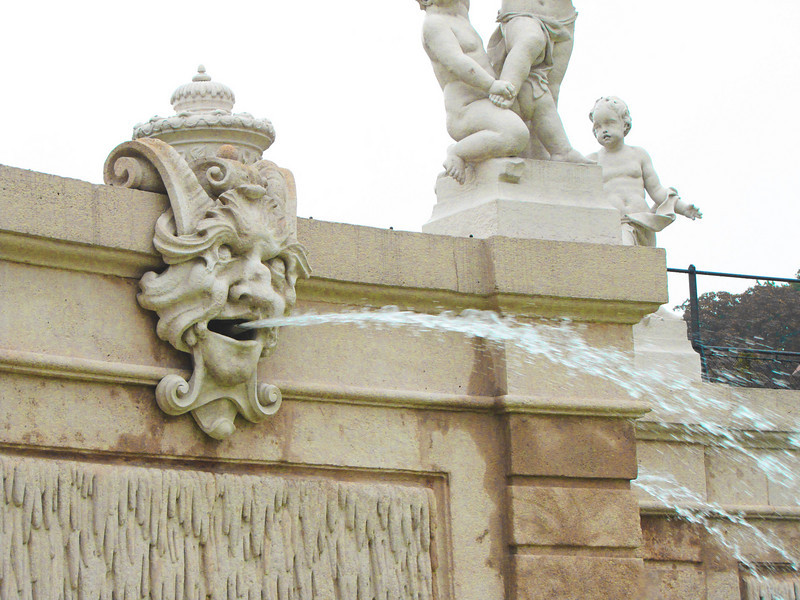 21-Central fountain detail