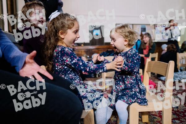 © Bach to Baby 2019_Alejandro Tamagno_Victoria Park_2019-10-23 026.jpg