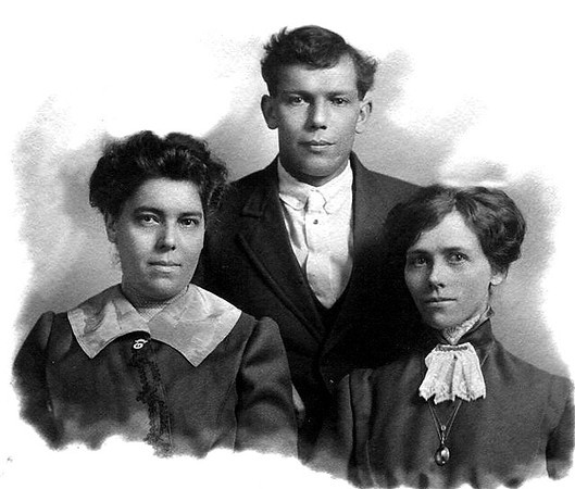 Hannah Nelson and Herman Harders with unknown.jpg