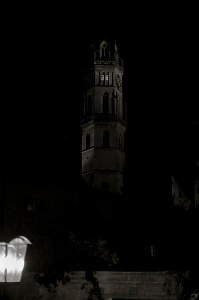 Turm der Stadtpfarrkirche (vor vielen Jahren mal bis ca. zur Hälfte abgebrannt, weil die Frau vom Turmwärter bissl zu viel eingeheizt hat und durch Funkenflug sich ein Vogelnest entzündet hat)