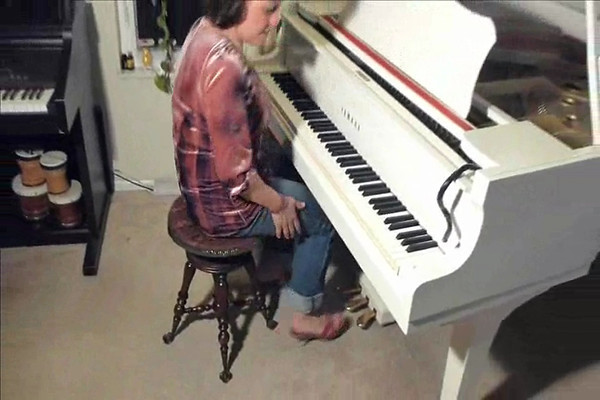 How to use sustain (right) pedal on a piano, part 3
