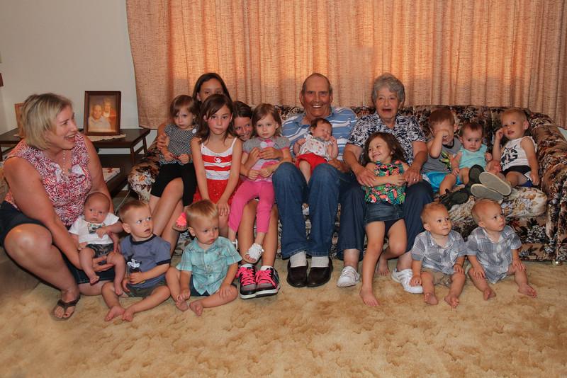 15 great grandkids Aug 2015.jpg