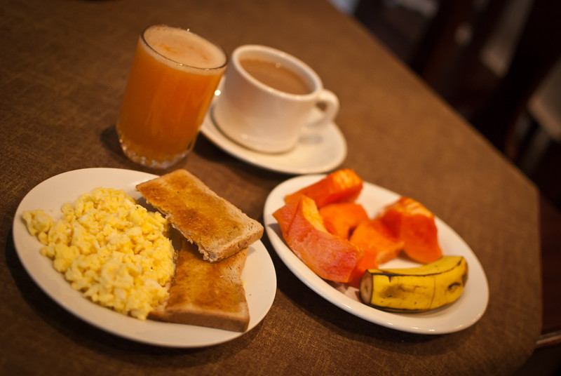 Tarija 201205 Hostal Carmen Breakfast 07.jpg