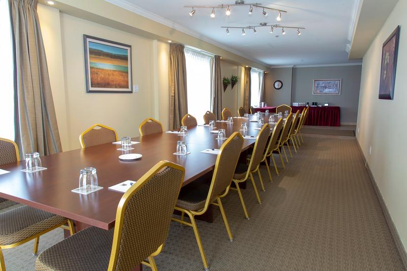 Brossard_Champlain Meeting Room 3.jpg