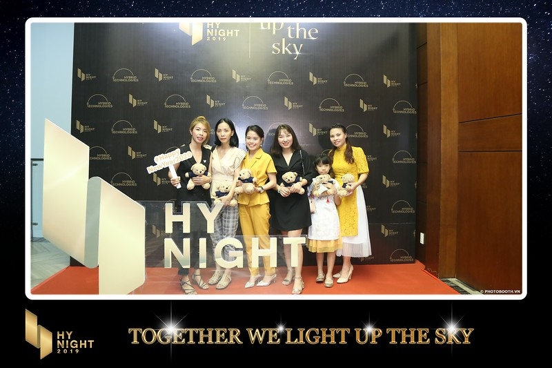 Buzz-Comm-Year-End-Party-instant-print-photo-booth-at-New-World-Saigon-Chup-hinh-lay-lien-Tat-nien-WefieBox-Photobooth-Vietnam-059.jpg
