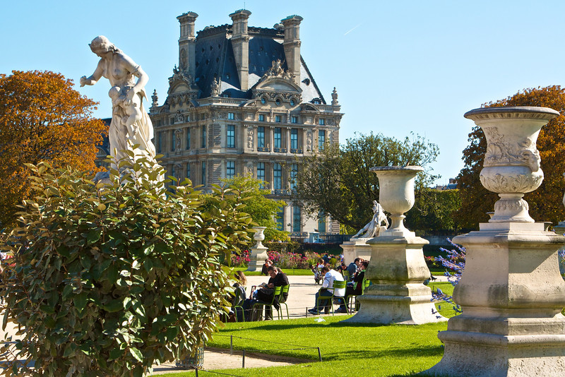The Lourve from Jardin des Tuileries