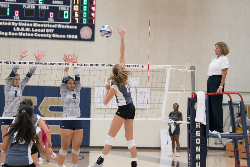 HPU Volleyball-91923.jpg