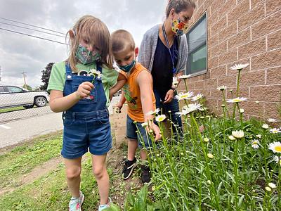 Planting at Molly Stark - 061521