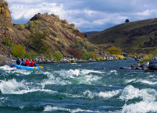 Deschutes river rafting adventure