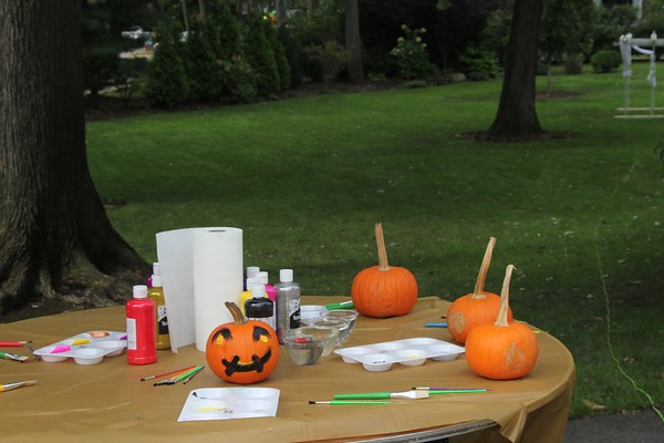 The Womans Club of Englewood Harvest Festival