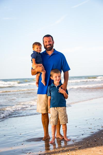 Family beach photos-93.jpg