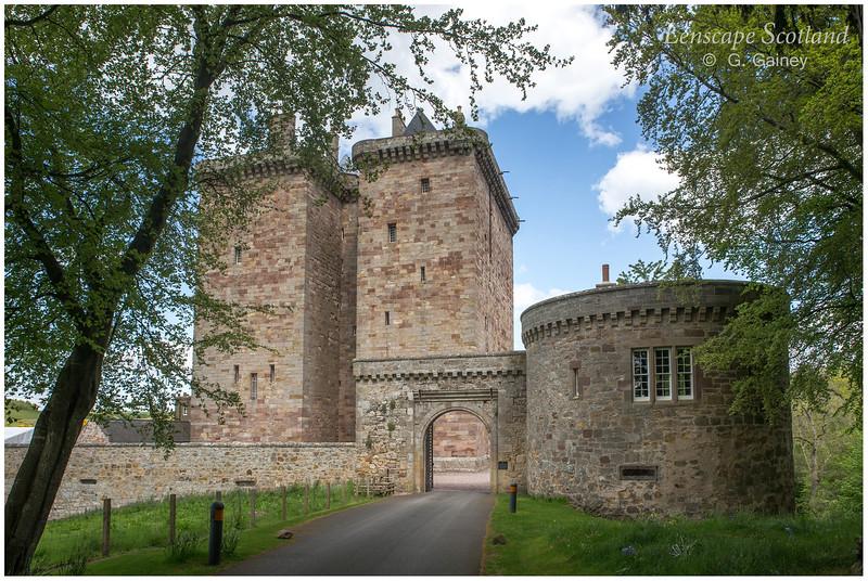 Borthwick Castle.jpg