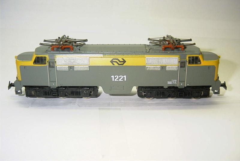 3055.6x NS 1221 zij.JPG