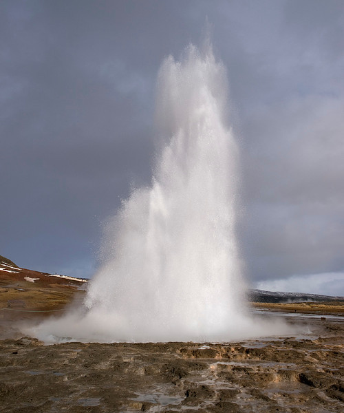 The fantastic huge geysers at Geysir and Strokkur. The Strokkur erupts every 5-10mins. Some explosions fill the sky whilst others rumble up much quiter. Fascinating to see the energy thrown up from these hot springs. Olympus E3, 12-60mm SWD
