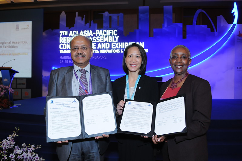 2012-4 APEX in Safety Signing Ceremony with Airports Authority of India, May 2012