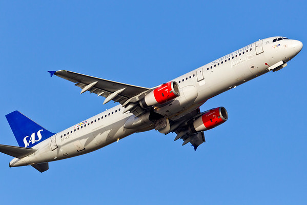 OY-KBL - Airbus A321-232