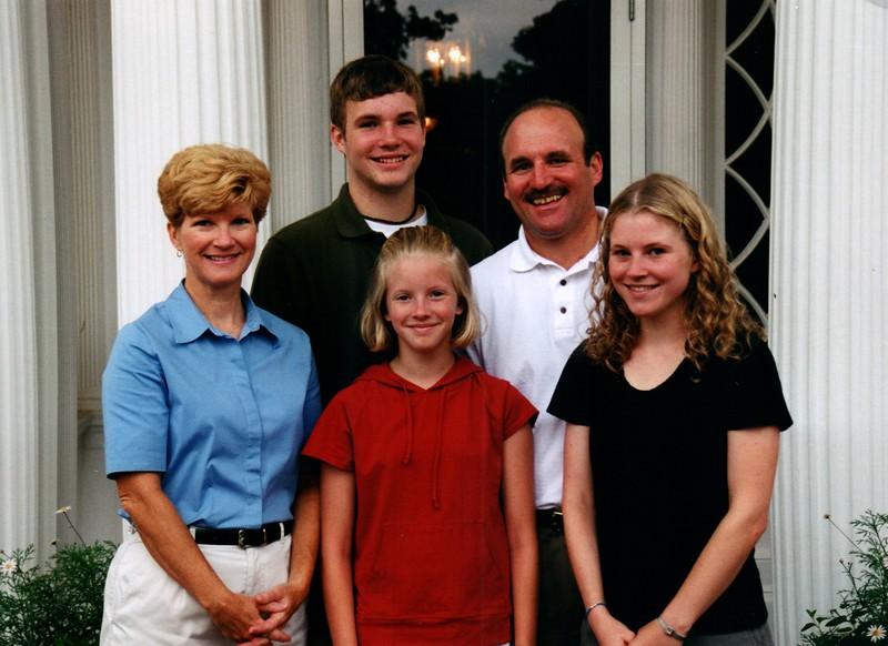 2000_June_Mom_&_Dad_Anniversary_Oglebay_0013_a.jpg