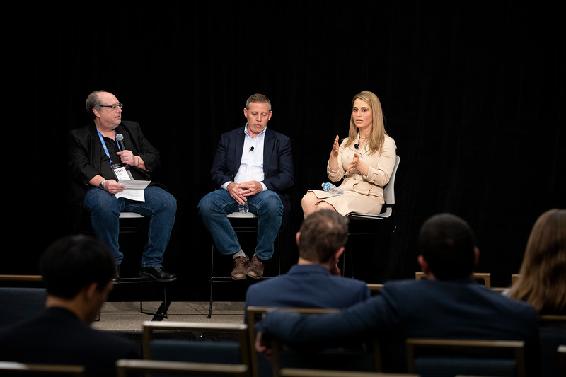 IoT and AI at the EdgeIrina Farooq, Chief Product Officer, Kinetica;  Neal Oman, VP of Research, HEREHow Does the Enterprise Respond to the Rise of AI and Edge Computing?Steve Tieg, Chief Technology Officer, Xperi Corporation