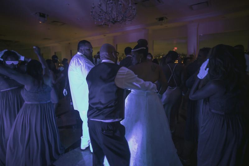 MEG_5811_tonya_josh_new jerrsey wedding photography.jpg