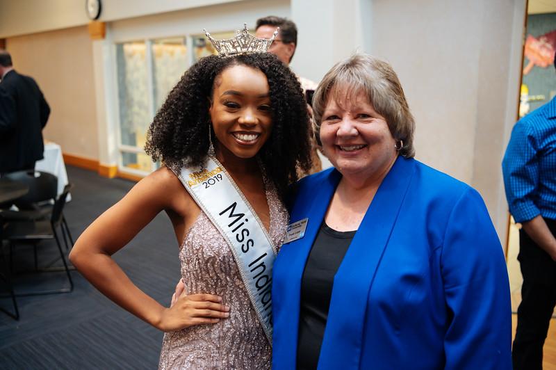 20191110_Miss Indiana Send Off-0644.jpg
