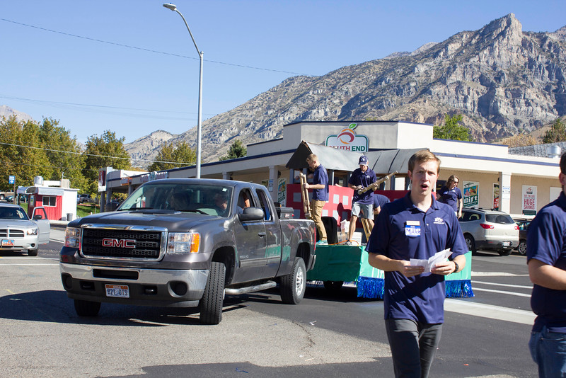 2015_10_10_Homecoming_Parade_7843.jpg